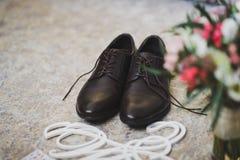 Preparado para la joyería y los accesorios del novio para casarse el cer Foto de archivo