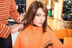 Preparando capelli per il taglio Immagine Stock Libera da Diritti