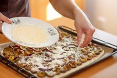 Preparando, dolce bollente della prugna Fotografia Stock Libera da Diritti