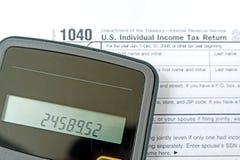 Preparando impostos Imagens de Stock