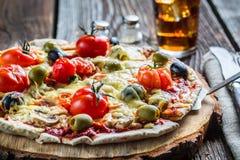 Preparando a massa caseiro da pizza Foto de Stock Royalty Free