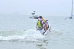 Preparando o jetski para viajantes na praia da cidade de Nha Trang Imagens de Stock Royalty Free