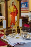 Preparando per battezzare nella chiesa ortodossa Immagine Stock