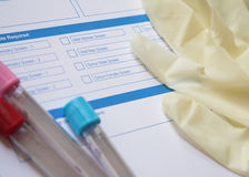Preparando per un'analisi del sangue Fotografie Stock Libere da Diritti