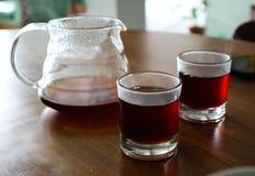 Preparando su café hoy Fotos de archivo libres de regalías