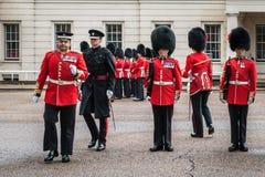 Preparação para mudar a cerimônia do protetor em Londres Foto de Stock