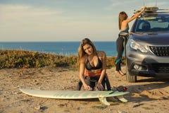 Preparar-se para surfar Foto de Stock