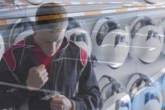 Prepararsi pilota da go-kart di doppia esposizione fotografia stock