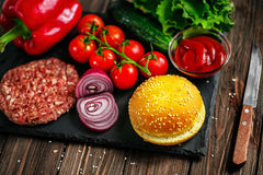 Preparation of burger Royalty Free Stock Images