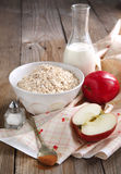 Cooking the Apple-cinnamon oatmeal Royalty Free Stock Photos