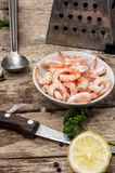 Preparation of salad with prawns Royalty Free Stock Photography