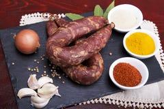 Preparato delle salsiccie in un ambientale tradizionale portoghese Fotografia Stock