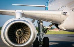 Preparazione degli aerei per il volo Fotografia Stock