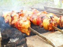 Preparazione del kebab di Shish Fotografie Stock