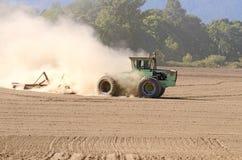 Preparazione del trattore Fotografie Stock Libere da Diritti