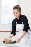 Preparazione della prima colazione Immagine Stock