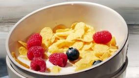 Preparazione della prima colazione sana del cereale archivi video