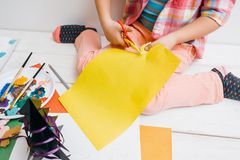 Preparazione delle cartoline d'auguri Materiale illustrativo in lavorazione Fotografia Stock