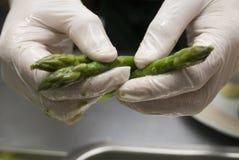 Preparazione di un asparago Immagine Stock Libera da Diritti