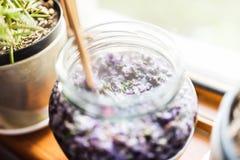 Preparazione lilla della gelatina immagini stock libere da diritti