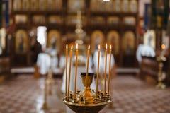 Preparazione per cerimonia di nozze in chiesa Fotografia Stock Libera da Diritti