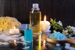 Preparazione per il bagno e le candele di bolla Fotografie Stock Libere da Diritti