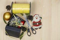 prepare los regalos para la Navidad Fotografía de archivo