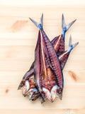 Prepare que cozinha o alimento asiático tradicional preservado salgou peixes sobre Imagens de Stock