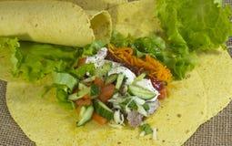 Prepare un Shawarma delicioso fotos de archivo