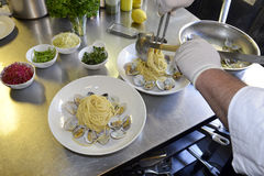 Preparetion dish of spaghetti with clams Royalty Free Stock Photography