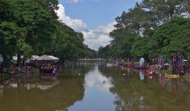 Prepari alla corsa di barca di Bon Om Touk Fotografie Stock Libere da Diritti