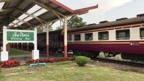 Prepari il nessun 52 itinerario Bangkok e Chiangmai alla stazione ferroviaria di Chiangmai video d archivio