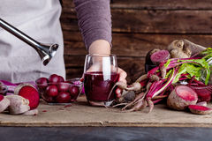 Preparing a beetroots juice Royalty Free Stock Image
