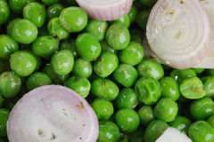 Preparing fresh Peas Royalty Free Stock Photography