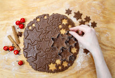 Preparing gingerbread cookies for christmas Royalty Free Stock Photos