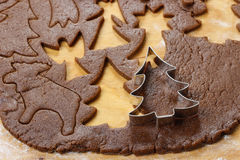 Preparing gingerbread cookies for christmas Stock Photography