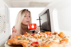 Preparing pizza Royalty Free Stock Photos