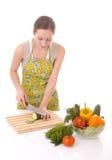 Prepearing Gemüse der Hausfrau stockfotos