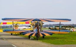 Preperations dla lota wyczynu kaskaderskiego samolot przy lotniskowym seppe Breda, Bosschenhoofd holandie, Marzec 30, 2019 obraz royalty free