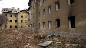 PREROV, republika czech, LUTY 25, 2017: Getto biedy zaniechany poprzedni gypsy zdjęcie wideo