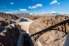 Presa de Hoover y aguamiel del lago Imagenes de archivo