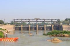 Presa de la central hidroeléctrico en la provincia de ayutthaya Imagen de archivo