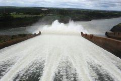 Presa de la hidroelectricidad de Itaipu Imagen de archivo libre de regalías