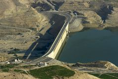 Presa de Mujib del lecho de un río seco, Jordania Foto de archivo libre de regalías