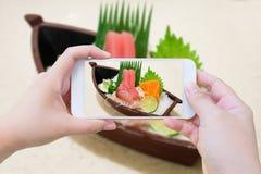 Presa della foto del sashimi giapponese Fotografia Stock