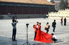 Presa della foto di nozze Fotografia Stock