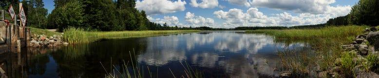 Presa en el lago Sevenmile en una tarde del verano Imagenes de archivo