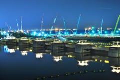 Presa en la presa del puerto deportivo Fotos de archivo libres de regalías