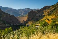 Presa en montañas Fotografía de archivo