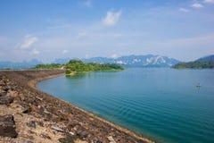 Presa en Tailandia, en la montaña Foto de archivo libre de regalías